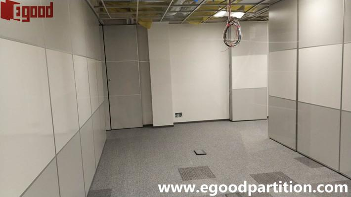 operable wall with white board finish, folding door partition white board