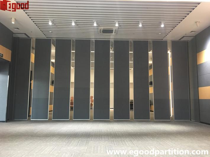 Conference hall sliding folding wall partition center
